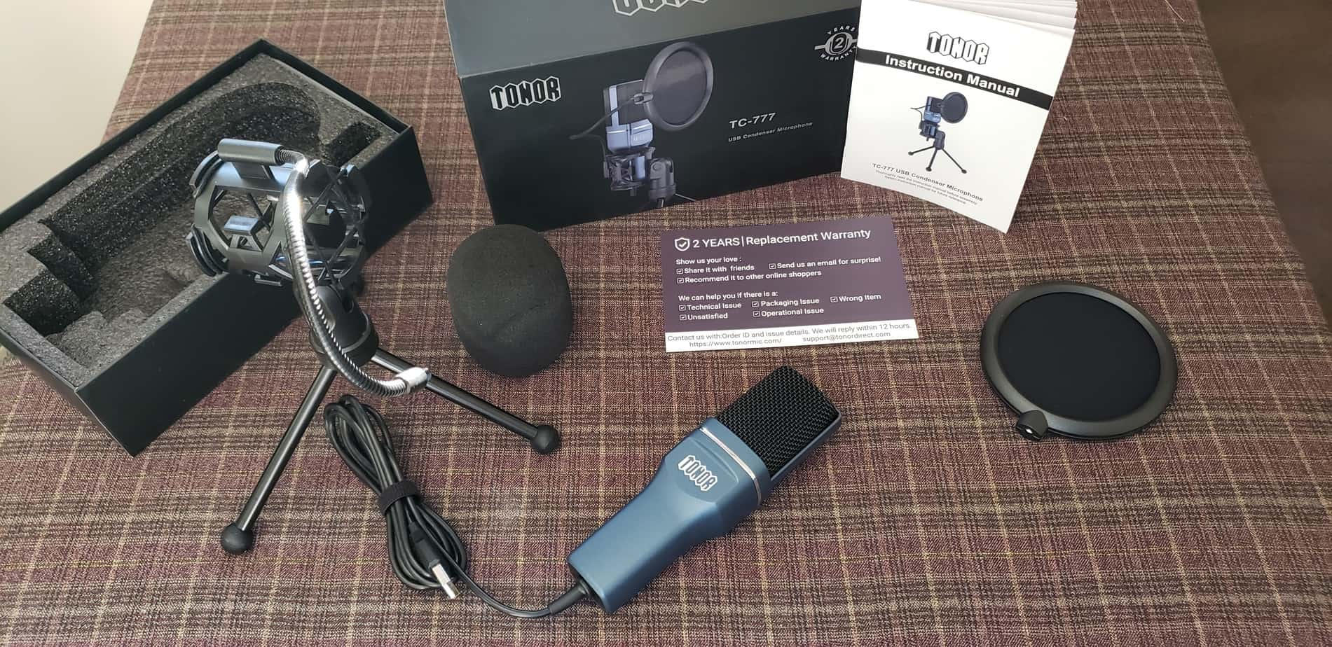 Tonor Microphone - TC-777 Whats Included